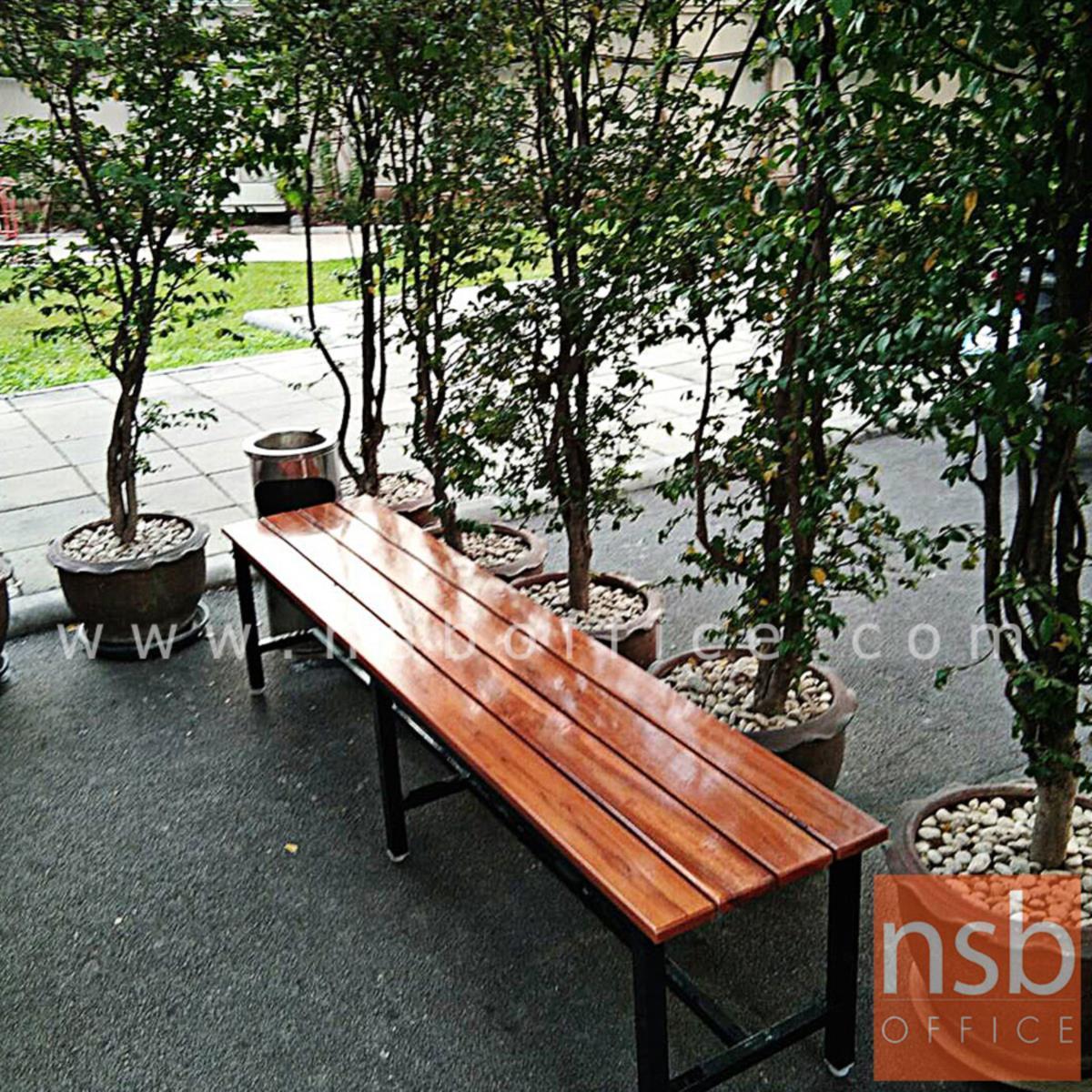 G08A223:ม้านั่งโรงอาหาร ไม้ยางพาราทำสีสัก ตีระแนง 4 เส้น  (ลึก 40D cm) ขาเหล็กพ่นสีดำ