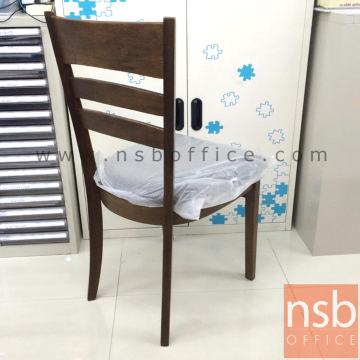 เก้าอี้ไม้ยางพาราที่นั่งหุ้มผ้า รุ่น Hansen (แฮนเซน) ขาไม้