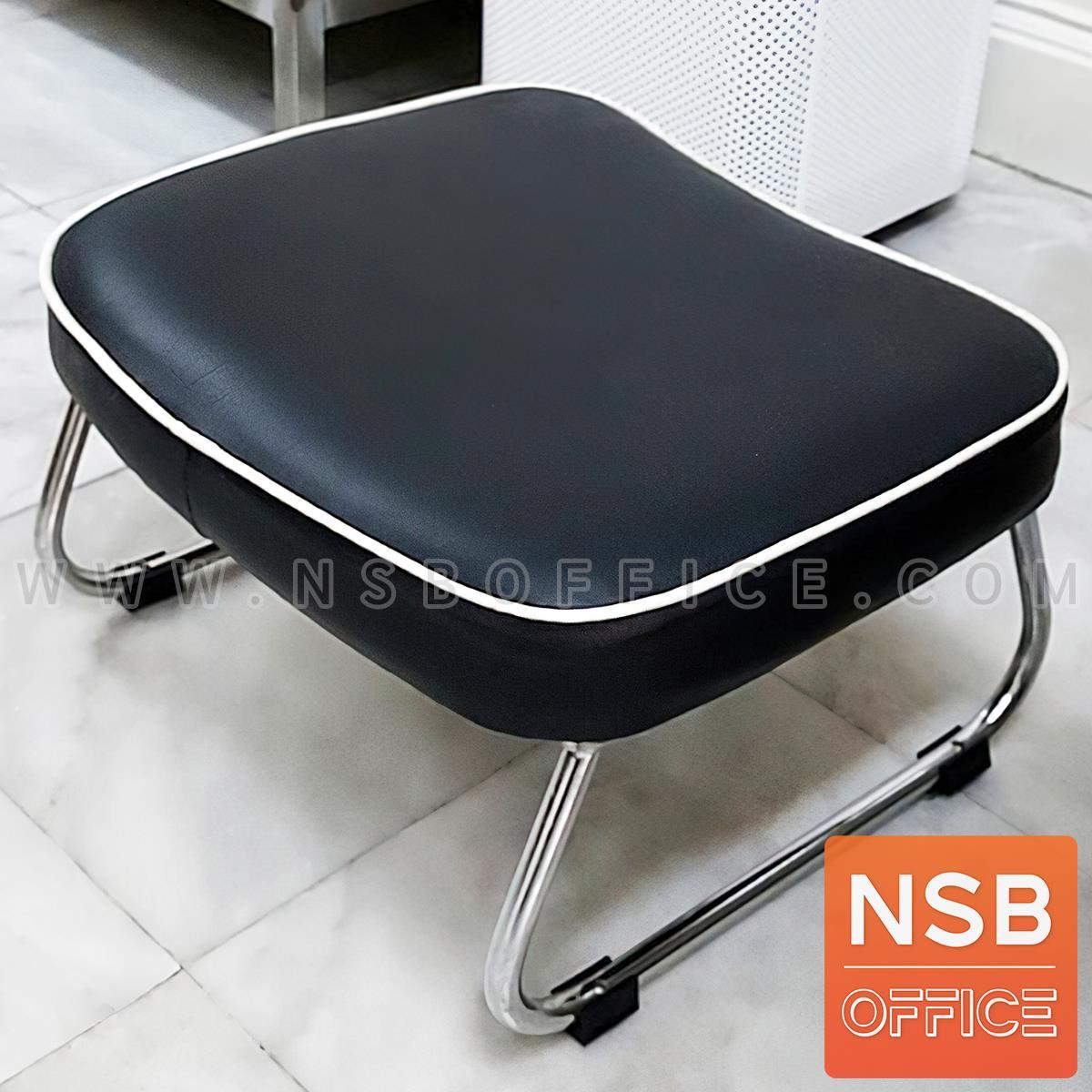 B15A070:เก้าอี้ช่างทำเล็บ รุ่น Loxie (ล็อกซี่)  ขาเหล็กชุบโครเมี่ยม