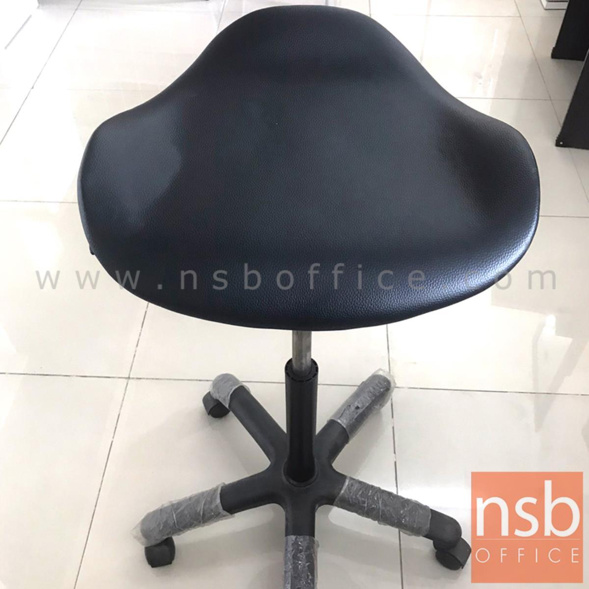เก้าอี้บาร์  ขนาด 44W*92H cm. โช๊คแก๊ส ขาพลาสติก (STOCK-1 ตัว)