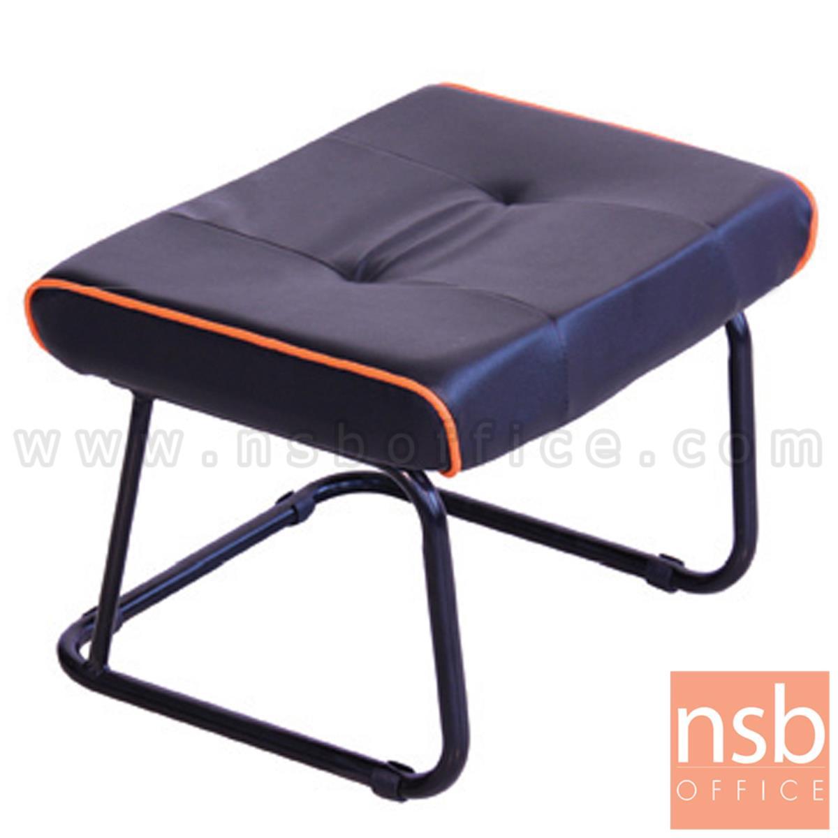 B15A065:เก้าอี้อเนกประสงค์ รุ่น Magnum (แม็กนัม) ขนาด 55W*40D*40H cm. ขาเหล็ก