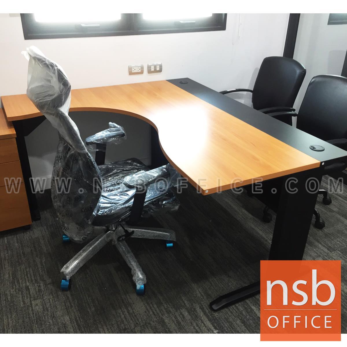 โต๊ะทำงานตัวแอลหน้าโค้งเว้า  รุ่น Bekant (บีแคนท์) ขนาด 160W1*140W2 cm. ขาเหล็กดำ สีเชอร์รี่-ดำ