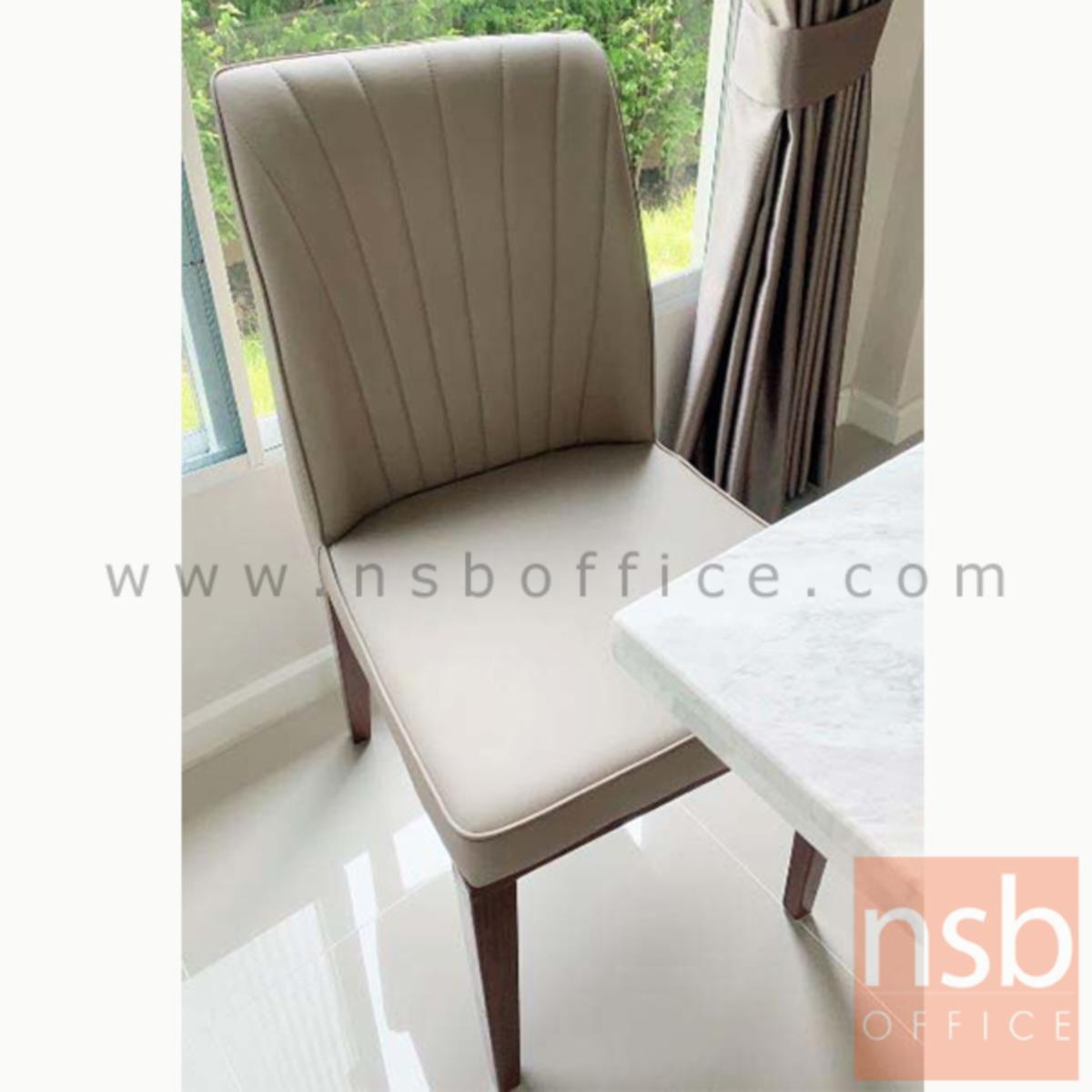 เก้าอี้ไม้ที่นั่งหุ้มหนังเทียม รุ่น FT-D932 ขาเหล็กเคลือบลายไม้