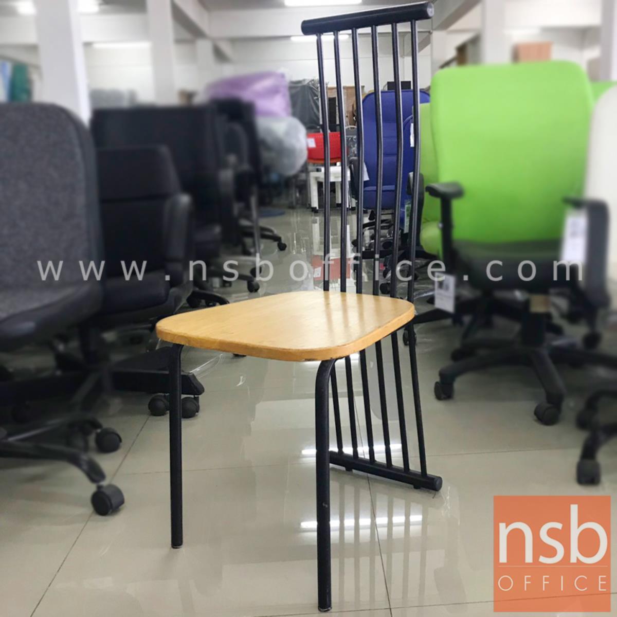 L02A289:เก้าอี้ไม้ รุ่น NSB-CHAIR4 ขนาด 42W*101H cm. โครงเหล็กพ่นดำ (STOCK-1 ตัว)