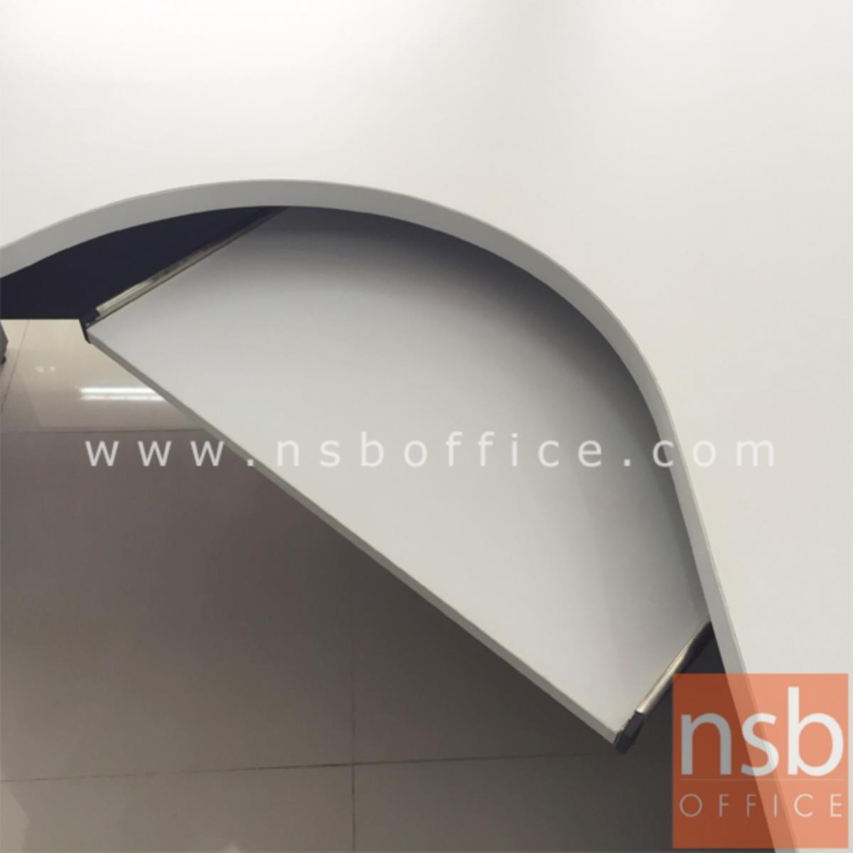 โต๊ะผู้บริหารตัวแอลหน้าโค้งเว้า  รุ่น Mendoza (เมนโดซ่า) ขนาด 165W1*120W2 cm. พร้อมรางคีย์บอร์ด เมลามีน