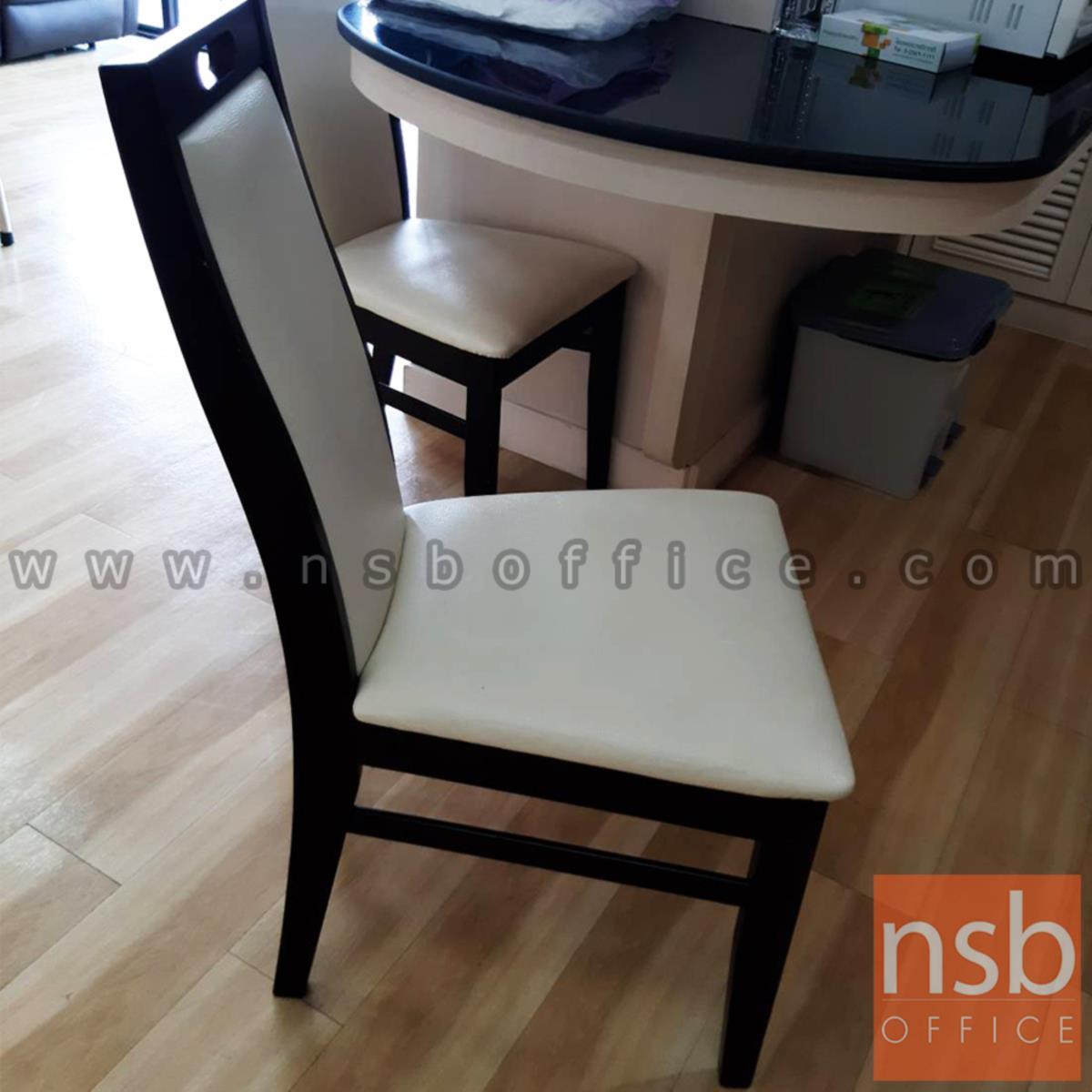 เก้าอี้ไม้ที่นั่งหุ้มหนังเทียม รุ่น GD- SB ขาไม้