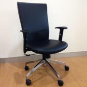 B01A421:เก้าอี้ผู้บริหาร asin-H ท้าวแขนพียูปรับระดับ ขาอลูมินั่ม spider