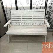 L07A002:เก้าอี้ไม้เก่าสีขาวมีพนักพิง