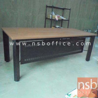 โต๊ะผู้บริหารขาเหล็ก 200W*90D cm PS-BOX-P-200W สีวอลนัทตัดดำ:<p>ขนาด 200W*90D*75H cm. ขา-บังโป๊ผลิตจากเหล็ก /TOP ปิดผิวเมลามีน กันร้อน กันชื้น /ผลิตสีวอลนัทตัดดำ&nbsp;**ราคานีัยังไม่รวมรางคีย์บอร์ด**</p>