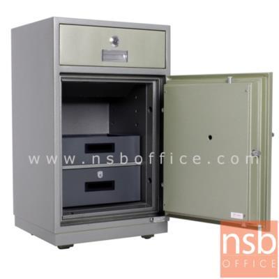 ตู้เซฟแคชเชียร์ 160 กก. ยี่ห้อ KINGDOM รุ่น SAN-8253 (3 กุญแจ 1 รหัส):<p>ขนาดภายนอก 52.8W*46.3D*90H cm. ขนาดภายใน &nbsp;40.2W*32.8D*69.5H cm. &nbsp;ตู้ผลิตจากเหล็กเคลือบผิวชนิดพิเศษ สามารถทนต่อการกัดกร่อนและป้องกันการเกิดสนิม&nbsp;</p>