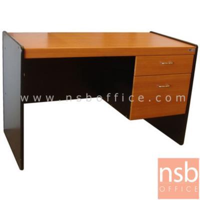 โต๊ะทำงาน 2 ลิ้นชัก  ขนาด 100W ,120W cm.  พีวีซี:<p>โต๊ะทำงาน 2 ลิ้นชักข้าง สอดเก้าอี้ไม่ติดแขน /ผลิต 2 ความกว้างคือ 100 ซม. และ 120 ซม. ผิวพีวีซี ขอบยาง/ ความหนา 15 มม. / TOP โต๊ะเบิ้ลขอบเป็น 30 มม.</p>
