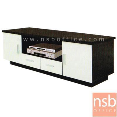 ตู้วางของอเนกประสงค์ 150W cm.  รุ่น DIM-DBAD-5260 ไม้ปาร์ติเกิลบอร์ด:<p>ขนาด 150W*45D*52H cm. โครงสร้างผลิตจากไม้ปาร์ติเกิลบอร์ด /มี 2 บานเปิดซ้าย-ขวา ช่องโล่งกลาง และ 2 ลิ้นชักกลางล่าง(ไม่มีกุญแจล็อค) ผลิตเฉพาะสีโอ๊ค/ครีม</p>