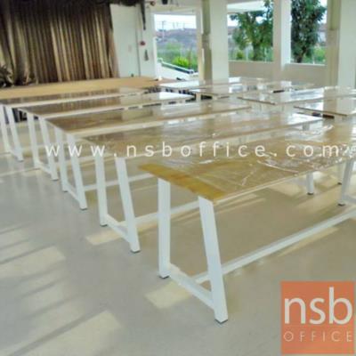 โต๊ะโรงอาหาร หน้าไม้ยางพารา ขาทรงคางหมู:<p>ผลิตขนาด 150W*90D, 180W*90D, 210W*90D และ 240W*90D cm / หน้าท๊อปไม้ยางพารา หนา 19 mm. / ขาเหล็กเหลี่ยม 2 นิ้ว</p>