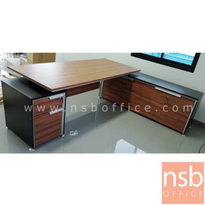 โต๊ะผู้บริหารตัวแอล ขนาด 225W*202D*75H cm. มีบังตา ขาเหล็กอัลลอยชุบโครเมี่ยม:<p>ขนาด 225W*202D*75H cm. 2 ลิ้นชัก สามารถเลือกแอลซ้ายหรือแอลขาวได้ / TOP เมลามีน ปิดขอบหนา 45 มม. / ขาเหล็กอัลลอยชุบโครเมี่ยม / รูปแบบทันสมัย สีวอลนัทตัดดำ&nbsp;</p>