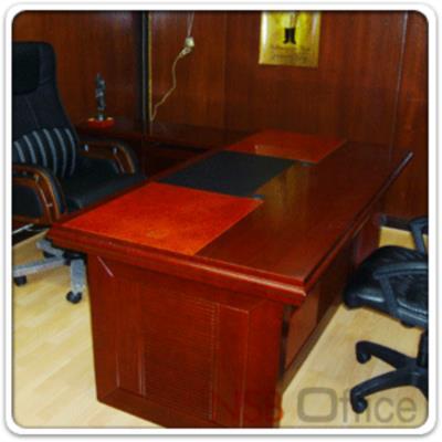 โต๊ะผู้บริหารตัวแอล Regent 180W*93D cm (3 ชิ้น พร้อมตู้ลิ้นชักและตู้ข้างโต๊ะ):<p>3 ชิ้น ประกอบด้วย โต๊ะทำงาน ขนาด 180W*93D*76H cm ตู้ลิ้นชักล้อเลื่อน และตู้ข้างโต๊ะ / พ่่นสีแล๊กเกอร์เงา แผ่นรองเขียนพ่นสีดำ</p>