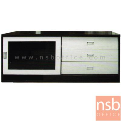 ตู้ไซด์บอร์ดอเนกประสงค์บานเลื่อนกระจก มี 3 ลิ้นชัก รุ่น TV-OLIVER-2 ขนาด  140W cm.:<p>ขนาด 140W*50D*63H cm. ผลิตจากไม้ปาร์ติเกิลบอร์ด TOP ปิดผิวพีวีซี /มี 1 บานลื่อนกระจก และ 3 ลิ้นชัก มี 2 สีให้เลือกคือ สีโอ๊ค และสีเมเปิ้ล</p>