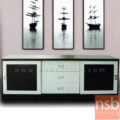 ตู้ไซด์บอร์ดอเนกประสงค์บานเลื่อนกระจก มี 3 ลิ้นชักกลาง รุ่น TV-OLIVER-3 ขนาด  180W cm.:<p>ขนาด 180W*50D*72H cm. ผลิตจากไม้ปาร์ติเกิลบอร์ด TOP ปิดผิวพีวีซี /มี 2 บานลื่อนกระจกซ้าย/ขวา และ 3 ลิ้นชักกลาง มี 2 สีให้เลือกคือ สีโอ๊ค และสีเมเปิ้ล</p>