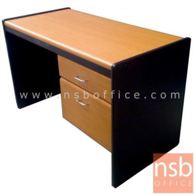 โต๊ะทำงาน 2 ลิ้นชักข้าง (สอดเก้าอี้ไม่ติดแขน) ผิวพีวีซี ขอบยาง:<p>โต๊ะทำงาน 2 ลิ้นชักข้าง สอดเก้าอี้ไม่ติดแขน /&nbsp;ผลิต 2 ความกว้างคือ 100 ซม. และ 120 ซม. ผิวพีวีซี ขอบยาง&nbsp;/ ความหนา 15 มม. / TOP โต๊ะเบิ้ลขอบเป็น 30 มม.&nbsp;</p>