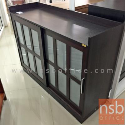 ตู้รองเท้าบานเลื่อนเฟรมกระจก 120W*103H cm (26 คู่) :<p>ขนาด W120*D40*H103 cm (ประมาณ 26 คู่) / บานเลื่อนเฟรมกระจก สวยทันสมัย / ด้านบนตู้มีขอบกันตก วางของได้ /ผลิตสีบีชและสีโอ๊ค</p>