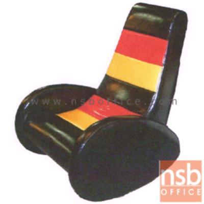 เก้าอี้โยก รุ่น VIDEO GAME   มีท้าวแขน พิงเอนได้:<p>ขนาด 64W*74D*90H cm. สามารถโยกเอนได้ ที่นั่งพนักพิงบุฟองน้ำหุ้มหนังเทียมชนิดพิเศษมันและเงา ทำความสะอาดง่าย</p>