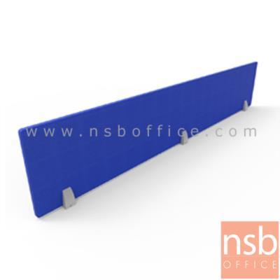 มินิสกรีนไม้หุ้มผ้า สูงพิเศษ 36.5 cm. ตัวจับอลูมิเนียมสีเทา แบบเจาะหน้าโต๊ะ  :<p>ผลิตความกว้าง 5 ขนาด คือ 60 , 70 , 110 , 150 , และ170*3.3D*(36.5H cm.)&nbsp;<span>ผลิตจากไม้พาร์ทิเคลบอร์ด หนา 12 mm. หุ้มด้วยผ้าฝ้าย สันเดินเส้นสีเงินสวยงาม</span><br /><span>ตัวจับผลิตจาก aluminum die-casting ทำสีเทาเงา&nbsp;</span><span>ติดตั้งด้วยการยิงสกูรจากด้านบนเข้ากับหน้าท๊อปโต๊ะ</span></p>