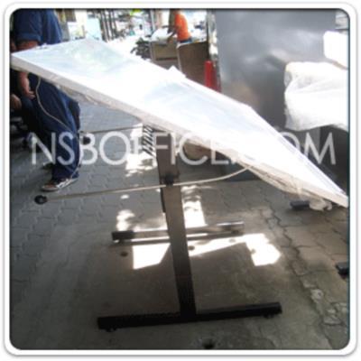 """โต๊ะเขียนแบบ 90W*60D*95.3H cm. TD-0908 ปรับองศาได้ มีตะแกรงข้างใต้:<p>ขนาด 90W*60D*95.3H cm. / หน้าโต๊ะผิวเมลามีนแบบเรียบ ขาเหล็กกล่อง 1x2 นิ้ว / ปรับมุมเอียงได้ และปรับระดับความสูงได้ (ไม่มีไม้บรรทัด) / แนะนำใช้งานคู่กับ <a title=""""เก้าอี้เขียนแบบ"""" href=""""http://www.nsboffice.com/catalog/lobby_chairs_lecture_chairs_meeting_chairs/laboratory_chairs_polyurethane_stools.aspx"""">เก้าอี้เขียนแบบ</a></p>"""