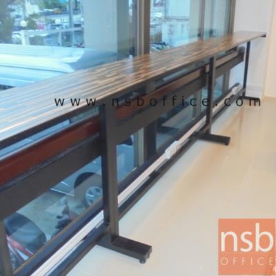 """โต๊ะยาวบาร์สูง โครงขาเหล็ก 200W*40D*110H cm มีที่พักเท้า:<p><span>ขนาด 200W*40D1*50D2*100H cm (แผ่นท๊อป 40D cm, โครงขา 50D cm)/&nbsp;</span>โครงขาเหล็กเหลี่ยม มีพักเท้า&nbsp;<span>ผลิตจากเหล็ก</span>กล่องขนาด 2""""นิ้ว สามารถเชื่อมต่อกันยาวต่อเนื่องได้ / หน้าไม้เมลามีน</p>"""