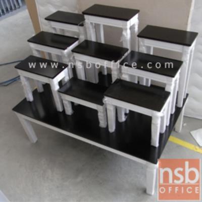 โต๊ะหมู่บูชาหมู่ 9  รุ่น NT-1009:<p>ฐานโต๊ะ ขนาด 100W*61D*34H cm. หน้าโต๊ะกว้าง 30W*15D / โต๊ะหมู่บูชา 5 โต๊ะ ทำจากไม้ยางพารา ทนทาน สวยงานในการจัดตั้ง / ผลิต 3 สี คือสีโอ๊ค สีขาว และสีขาวโอ๊ค **ขนาดของโต๊ะเล็กดูจากในรูป**</p>