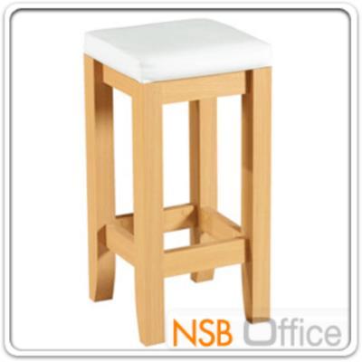เก้าอี้เคาน์เตอร์บาร์ห้องครัว รุ่น SR-SM-001   :<p>ขนาด 30W*36D*76H cm. /โครงขาปิดผิวด้วยเมลามีน ชนิดพิเศษทนความร้อนสูง ทนต่อรอยขีดข่วน และกรด ด่าง /ที่นั่งบุฟองน้ำหุ้มหนังเทียม(PVC) /ขาเก้าอี้ผลิต 2 สีคือสีบีช และสีโอ๊ค</p>