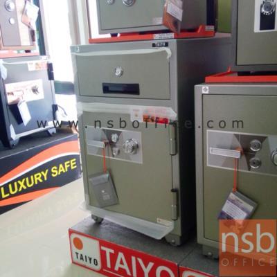TAIYO Cashier 193 กก. ตู้เซฟแคชเชียร์ (NS 935 K2C มอก.):<p>TAIYO Deposit NS935 / ตู้เซฟแคชเชียร์ NS935 K2C Deposit Safe 193 กก. / พร้อมลิ้นชักบนเก็บเงินสด แบบกุญแจ แยกอิสระ / ขนาดภายนอก 590*551*935 มม. / ภายใน 450*355*490 มม. /เปลี่ยนรหัสได้</p>