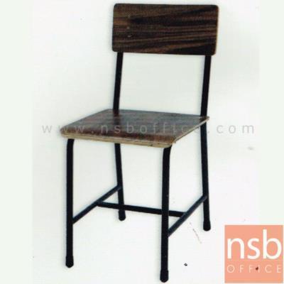เก้าอี้นักเรียนมัธยมไม้  รุ่น PJ-8C  เหล็กกลมพ่นดำ:<p>เก้าอี้นักเรียนไม้ โครงเหล็กพ่นดำ ที่นั่งเป็นแผ่นไม้ทั้งแผ่น</p>