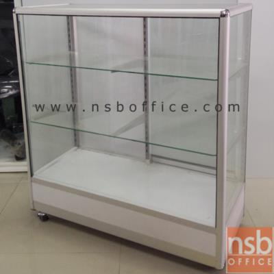 ตู้กระจกโชว์สินค้ามุมมน ล้อเลื่อน สูง 100 ซม.  โครงอลูมิเนียมล้วน :<p>ผลิต 4 ความกว้างคือ ขนาด 2.5, 3, 4 และ 5 ฟุต (D40*H100 cm) / มี 2 แผ่นชั้น (3 ช่อง) / โครงเป็นอลูมิเนียมล้วน เสริมคิ้วขาบังล้อ บุโฟเมก้า <span>/</span><span>กระจก</span><span>บานเลื่อนและแผ่นชั้น หนา 5 มิล (1หุนครึ่ง)</span><span>/ กระจกรอบตัวหนา</span><span>3 มิล (1หุน) /</span>ไม่รวมชุดกุญแจและไฟในตู้ /<span>ลายยี่ห้อบน แผ่นกระจกสามารถลบออกได้ง่าย เพียงใช้น้ำเปล่า (ไม่ต้องใช้น้ำยาพิเศษใดใด)</span><br /><br />* ลูกล้อขนาด 2 นิ้ว ล้อเป็น ไม่มีเบรค (ไม่มีที่ล๊อค) *</p>